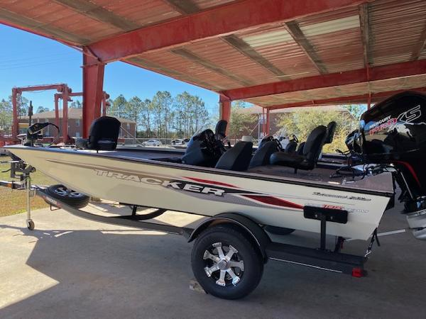 2021 Tracker Boats boat for sale, model of the boat is Pro Team 195 TXW Tournament Edition & Image # 1 of 7