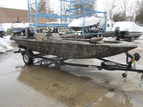 2020 Triton boat for sale, model of the boat is 1760 SC & Image # 2 of 24