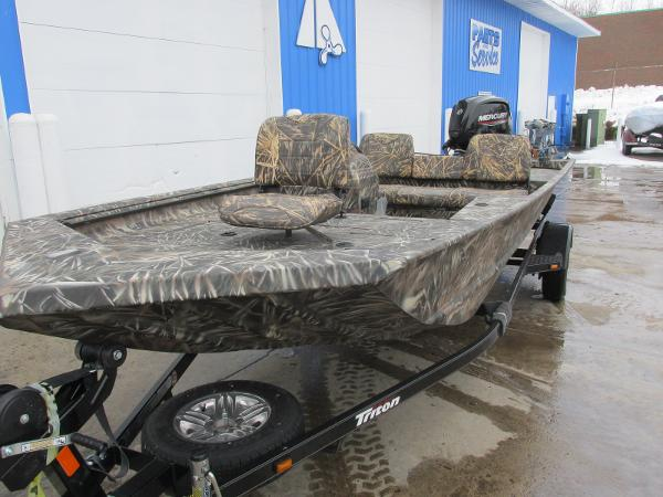 2020 Triton boat for sale, model of the boat is 1760 SC & Image # 3 of 24
