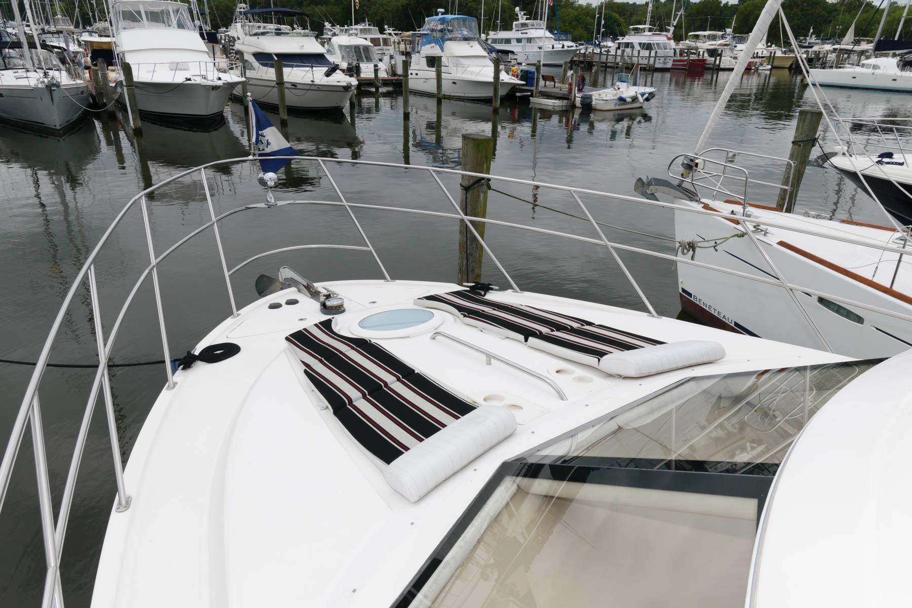 M 6370 TW Knot 10 Yacht Sales