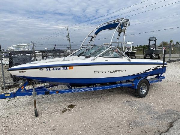 2004 Centurion boat for sale, model of the boat is T5 & Image # 1 of 8