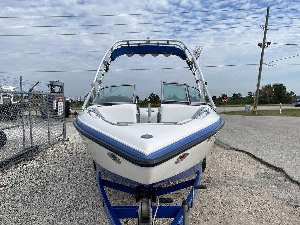 2004 Centurion boat for sale, model of the boat is T5 & Image # 5 of 8