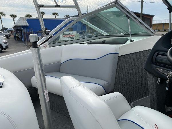 2004 Centurion boat for sale, model of the boat is T5 & Image # 6 of 8