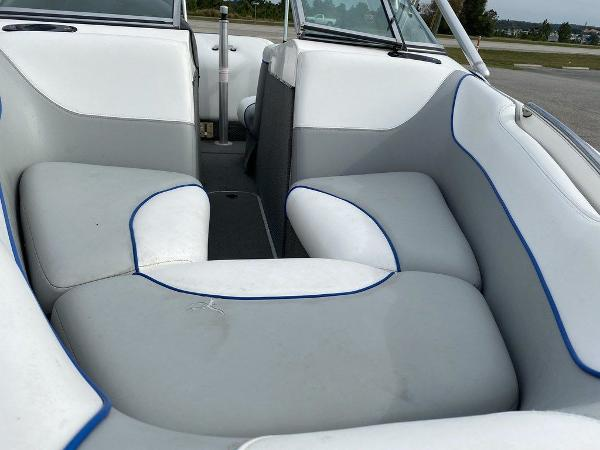 2004 Centurion boat for sale, model of the boat is T5 & Image # 8 of 8