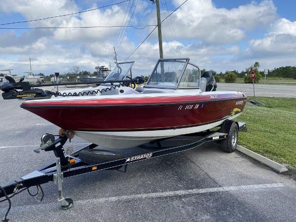 2005 Stratos boat for sale, model of the boat is 386XF & Image # 9 of 11