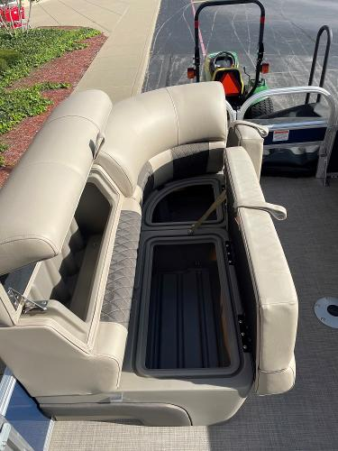 2021 Sun Tracker boat for sale, model of the boat is SF22 & Image # 4 of 16