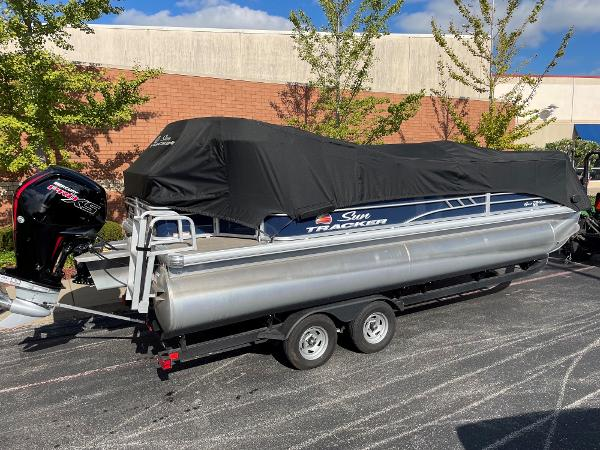 2021 Sun Tracker boat for sale, model of the boat is SF22 & Image # 12 of 16