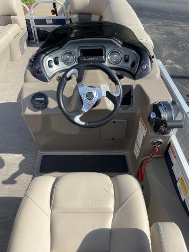 2021 Sun Tracker boat for sale, model of the boat is SF22 & Image # 16 of 16