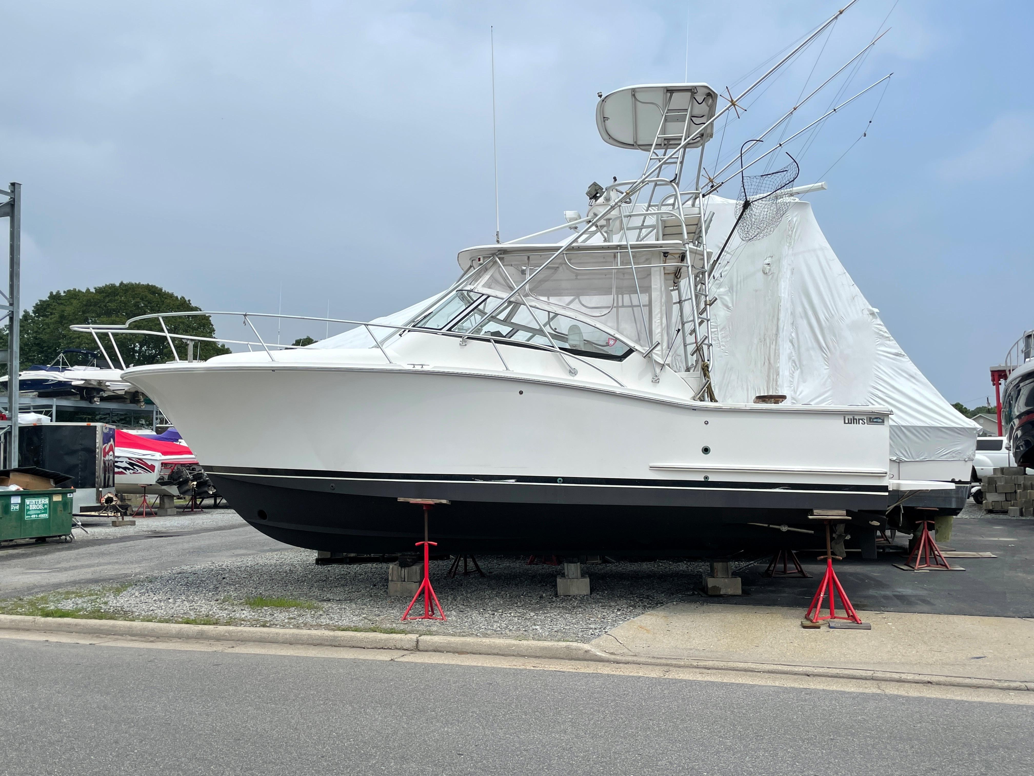 NY 6514 KM Knot 10 Yacht Sales