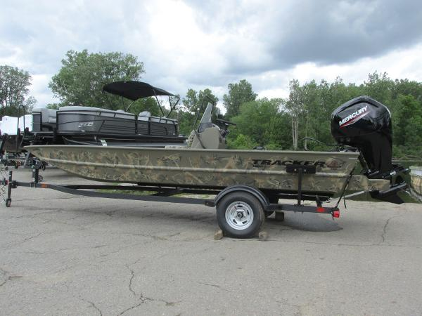 2022 TRACKER BOATS 1860 GRIZZLY CC for sale