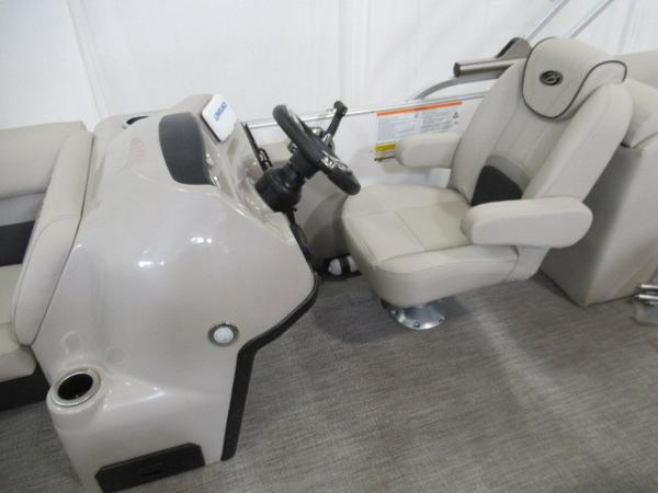 2020 Barletta boat for sale, model of the boat is C22QC & Image # 13 of 13