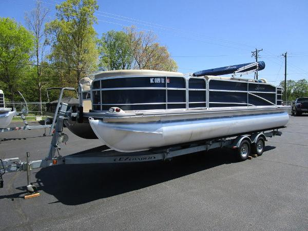 2012 Forest River boat for sale, model of the boat is Berkshire 231 RFC & Image # 4 of 20