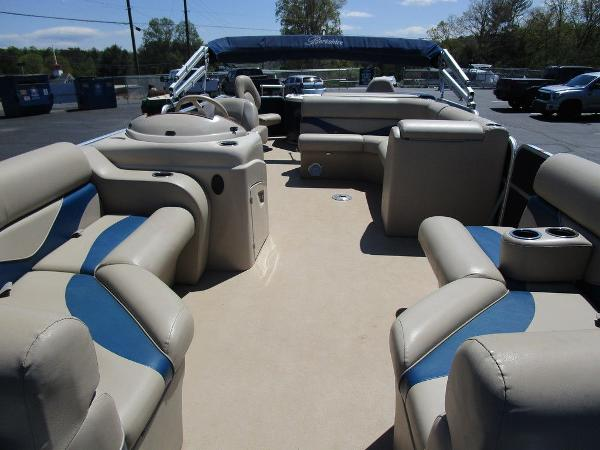 2012 Forest River boat for sale, model of the boat is Berkshire 231 RFC & Image # 8 of 20