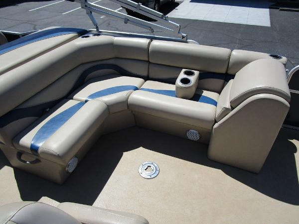 2012 Forest River boat for sale, model of the boat is Berkshire 231 RFC & Image # 12 of 20