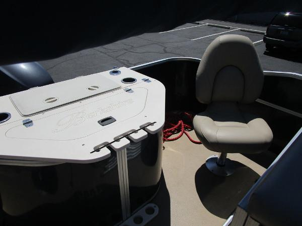2012 Forest River boat for sale, model of the boat is Berkshire 231 RFC & Image # 19 of 20
