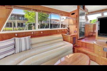 Navigator 44 Pilothouse video