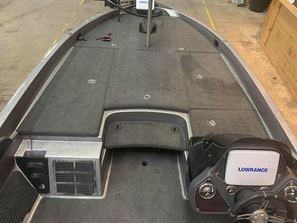 2011 Ranger Boats boat for sale, model of the boat is Z520 & Image # 14 of 16