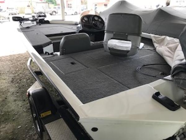 2003 Triton boat for sale, model of the boat is V176 Magnum & Image # 6 of 10