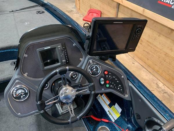 2013 Ranger Boats boat for sale, model of the boat is Z Comanche Z520 & Image # 14 of 17
