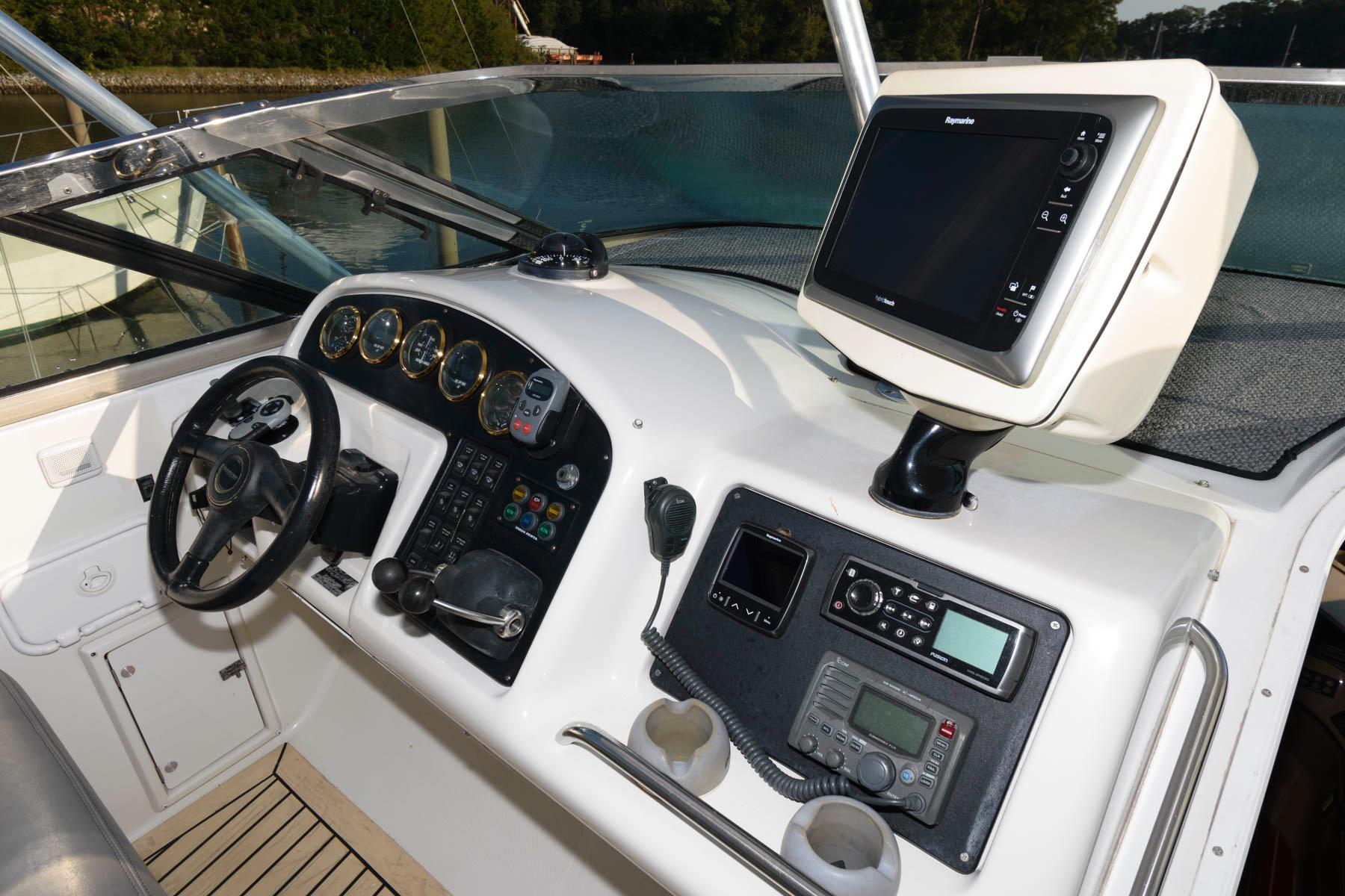 V 5722 KB Knot 10 Yacht Sales