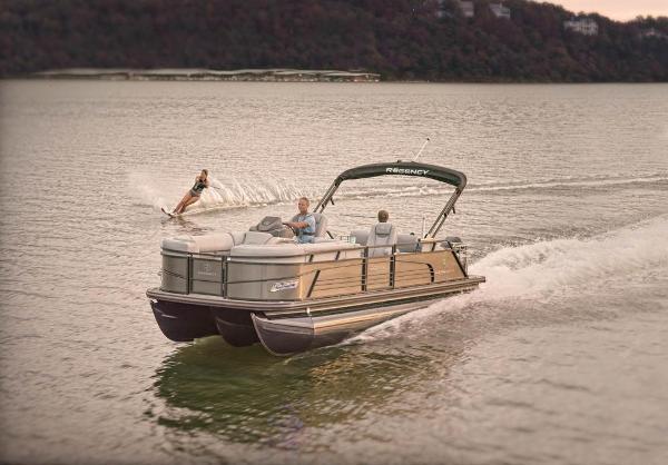 2022 Regency boat for sale, model of the boat is 230 LE3 Sport & Image # 5 of 76