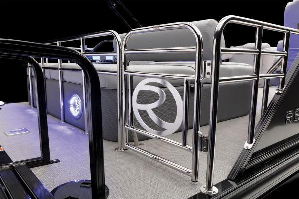 2022 Regency boat for sale, model of the boat is 230 LE3 Sport & Image # 49 of 76