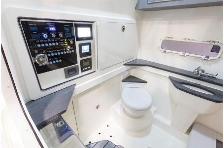 2021 Mako boat for sale, model of the boat is 414 CC & Image # 12 of 31