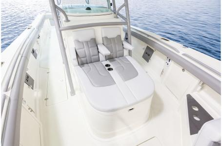 2021 Mako boat for sale, model of the boat is 414 CC & Image # 21 of 31