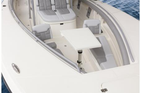2021 Mako boat for sale, model of the boat is 414 CC & Image # 23 of 31