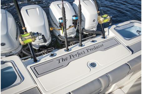 2021 Mako boat for sale, model of the boat is 414 CC & Image # 24 of 31