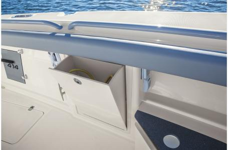 2021 Mako boat for sale, model of the boat is 414 CC & Image # 27 of 31