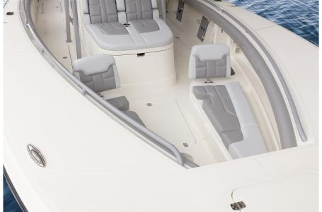 2021 Mako boat for sale, model of the boat is 414 CC & Image # 4 of 31