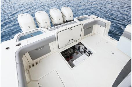 2021 Mako boat for sale, model of the boat is 414 CC & Image # 5 of 31