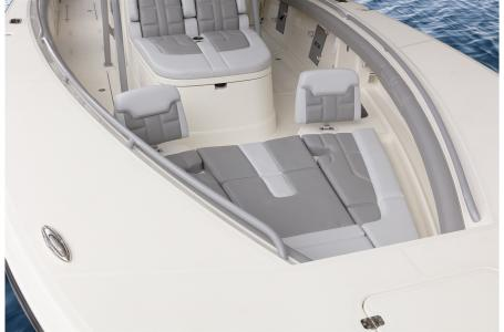 2021 Mako boat for sale, model of the boat is 414 CC & Image # 8 of 31