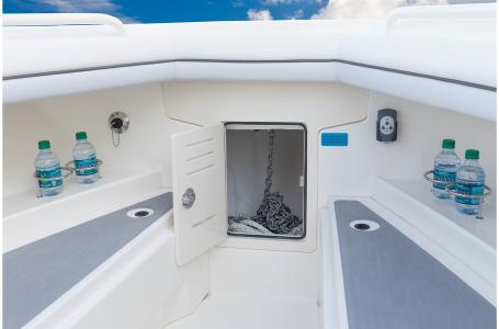 2021 Mako boat for sale, model of the boat is 334CC & Image # 10 of 32