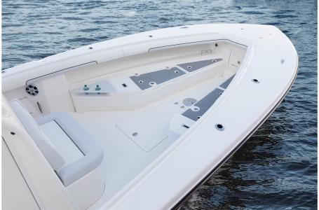 2021 Mako boat for sale, model of the boat is 334CC & Image # 13 of 32