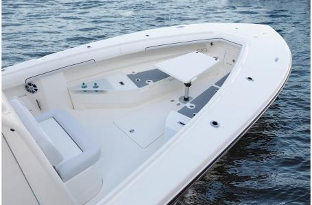 2021 Mako boat for sale, model of the boat is 334CC & Image # 20 of 32