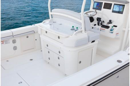 2021 Mako boat for sale, model of the boat is 334CC & Image # 25 of 32