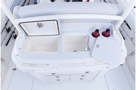 2021 Mako boat for sale, model of the boat is 334CC & Image # 27 of 32