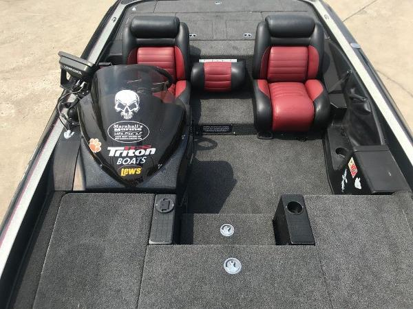 2006 Triton boat for sale, model of the boat is TR20X & Image # 9 of 12