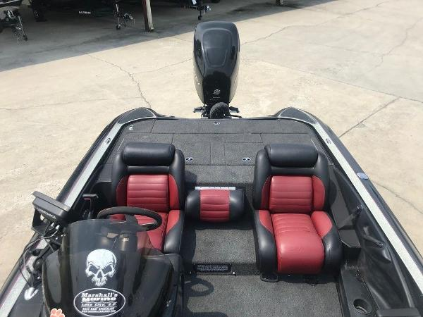 2006 Triton boat for sale, model of the boat is TR20X & Image # 10 of 12
