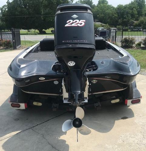 2006 Triton boat for sale, model of the boat is TR20X & Image # 3 of 12