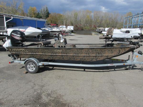 2019 Triton boat for sale, model of the boat is 1862 CC & Image # 1 of 26