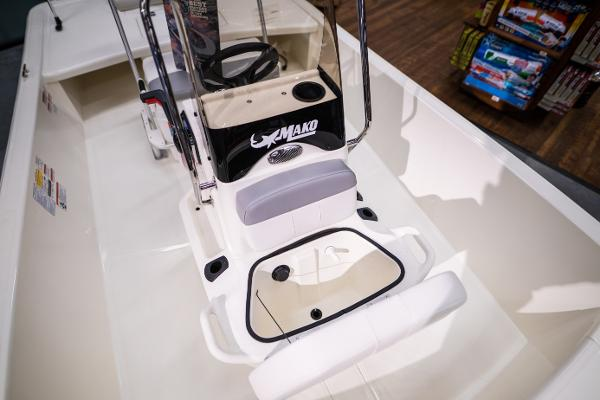2022 Mako boat for sale, model of the boat is Pro Skiff 17 CC & Image # 15 of 28