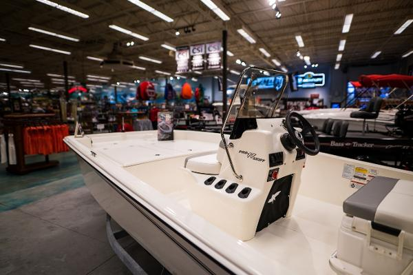 2022 Mako boat for sale, model of the boat is Pro Skiff 17 CC & Image # 4 of 28