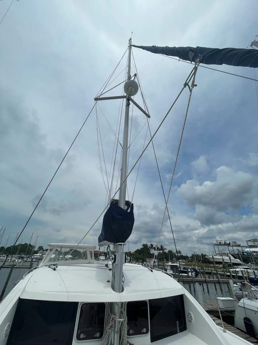 F 6194 SK Knot 10 Yacht Sales