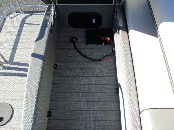 2021 Godfrey Pontoon boat for sale, model of the boat is SW 2286 SFL iMPACT  29 in. Center Tube & Image # 4 of 26