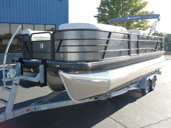 2021 Godfrey Pontoon boat for sale, model of the boat is SW 2286 SFL iMPACT  29 in. Center Tube & Image # 7 of 26