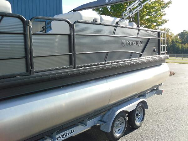 2021 Godfrey Pontoon boat for sale, model of the boat is SW 2286 SFL iMPACT  29 in. Center Tube & Image # 8 of 26