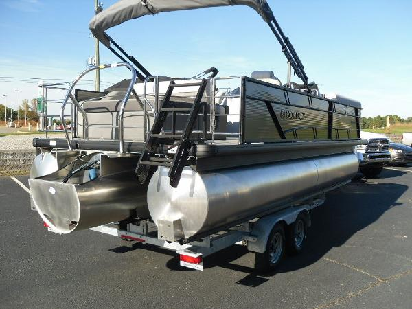 2021 Godfrey Pontoon boat for sale, model of the boat is SW 2286 SFL iMPACT  29 in. Center Tube & Image # 12 of 26